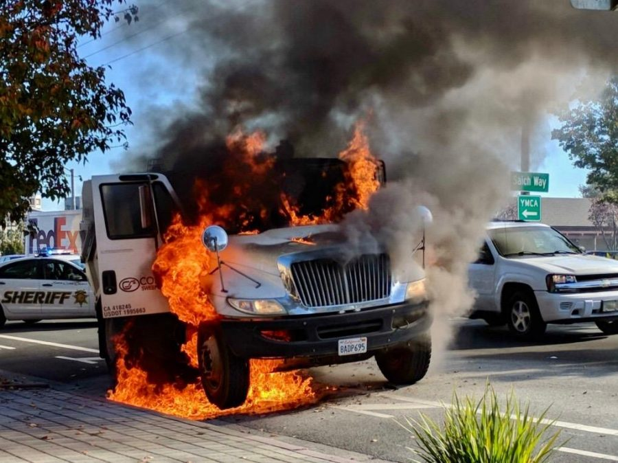 Cupertino+street+sweeper+explodes+on+Stevens+Creek+Boulevard