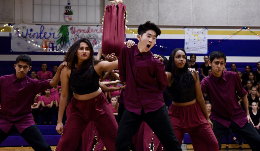 MV Andaaz performs at Winter Showcase