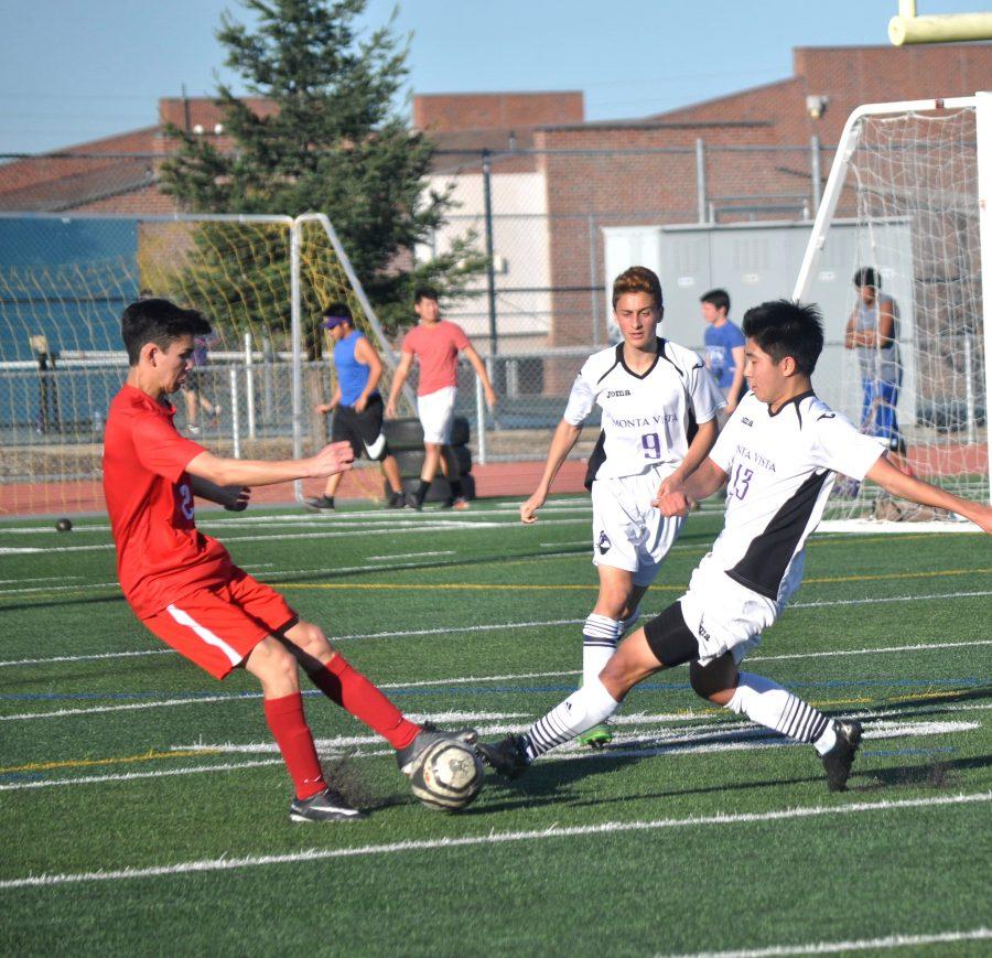 Boys soccer: Team suffers 2-3 loss against Saratoga HS
