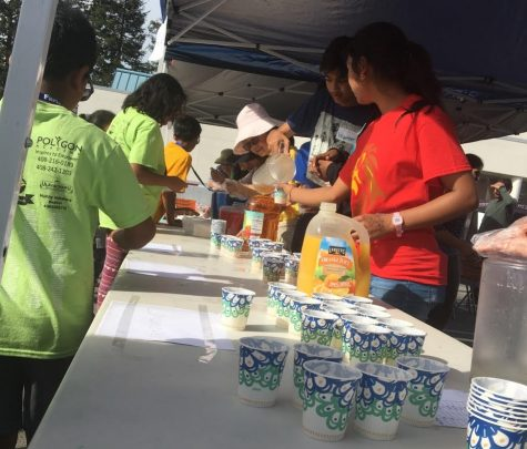 Leo Club volunteers at Faria Walkaround