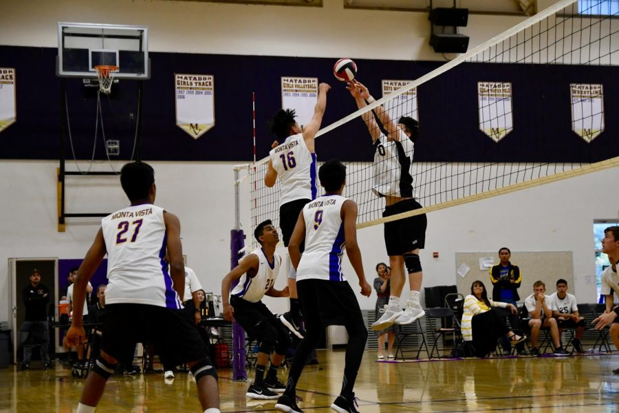 Boys+volleyball%3A+MVHS+triumphs+in+second+round+of+postseason+after+3-0+victory+against+Wilcox+HS