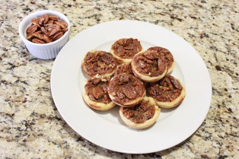 Homemade Hipster: Mini pecan pies