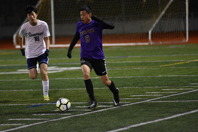 Boys soccer: Team falls 3-0 to Lynbrook HS