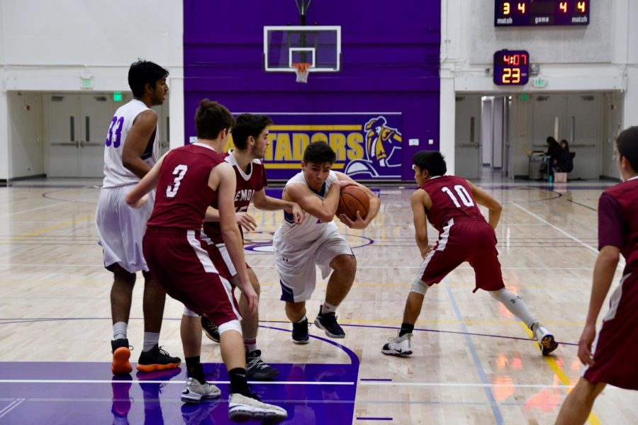 Boys basketball: Clutch free throws propel Matadors to a narrow 52-50 victory
