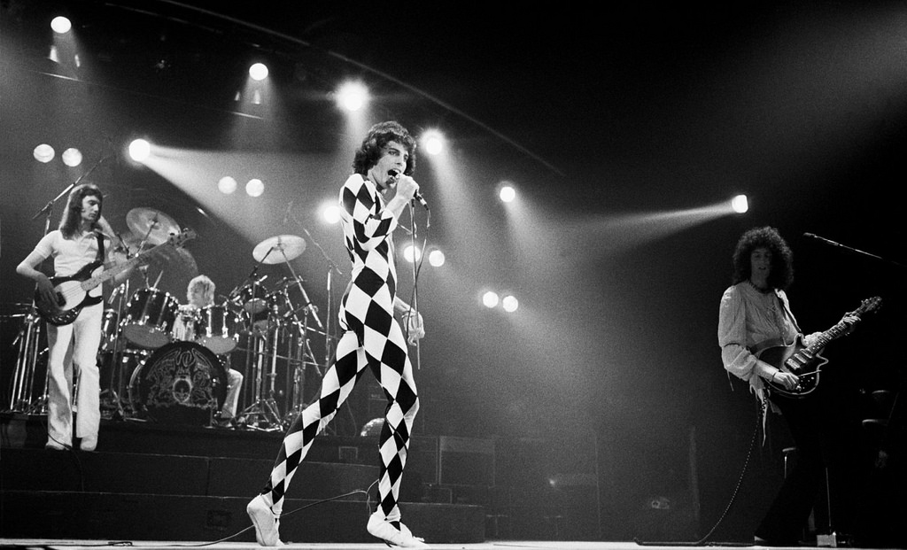 Queen - live show in Houston 1977  Photo courtesy of Creative Commons