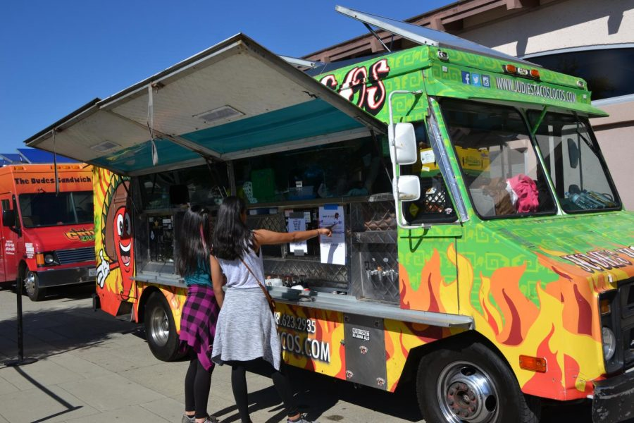 """MVHS hosts social food truck event """"Off the Grid"""""""