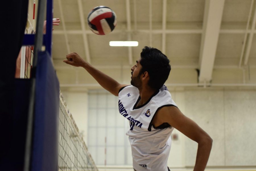 Boys+Volleyball%3A+Matadors+triumph+in+3-0+victory+against+Homestead+HS