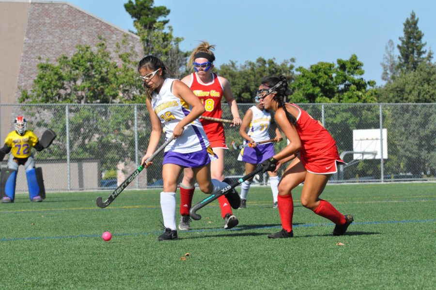 Senior Lauren Lee breaks away from the defender to lead a counter attack against Willow Glen HS. Photo by Kamyar Moradi