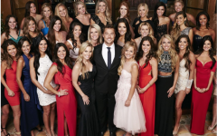 Chris Soules poses with the contestants of season 15 of the Bachelor.