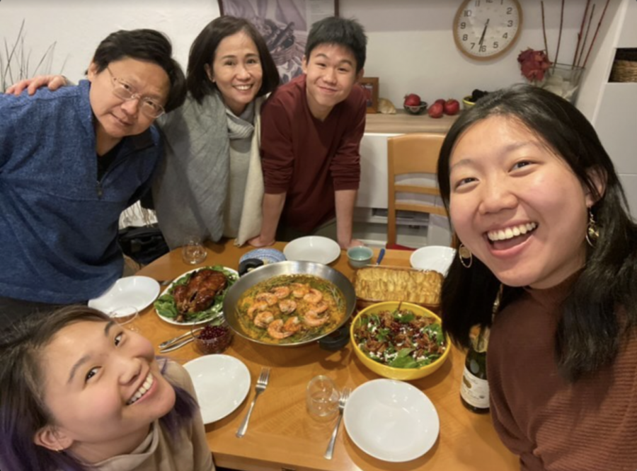 Senior Daniel Kao and his family taking a selfie at the dinner table on Thanksgiving Day.