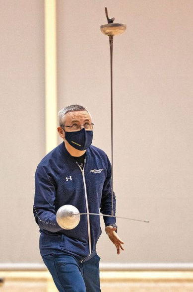 UCSD coach, Juan Ignacio Calderon, practicing while masked. Photos from @ucsdfencing