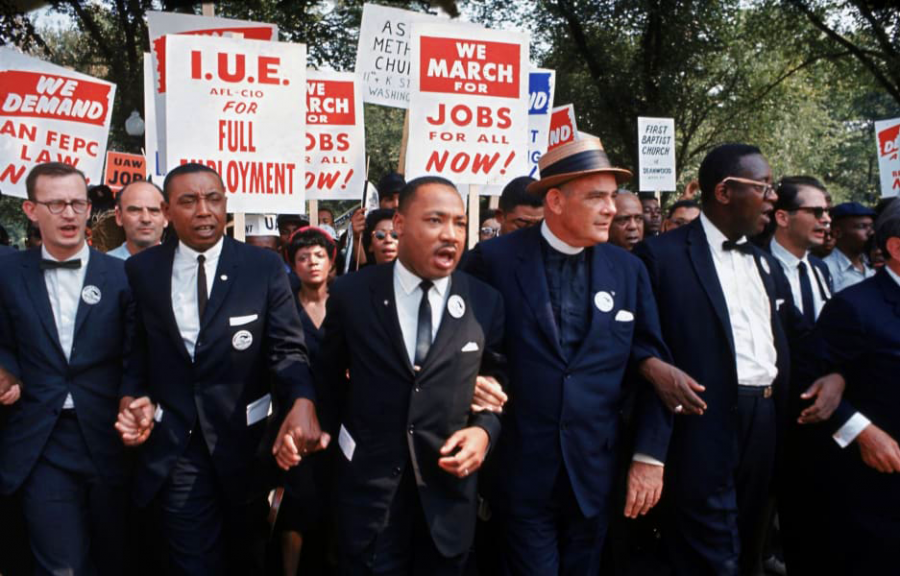 MLK+links+arms+with+protestors+at+the+March+on+Washington+for+Jobs+and+Freedom%2C+1963