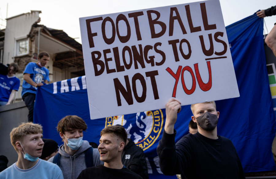 Chelsea fans protest against the creation of the European Super League