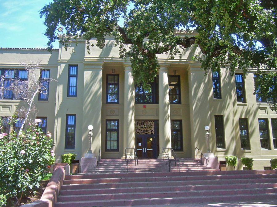 Los Gatos High School by David Sawyer is licensed under CC BY-SA 2.0