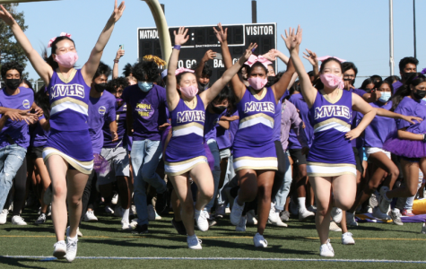 Classes compete in the Homecoming rally